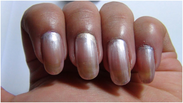 Silver Nail Art - Apply Base Coat Onto The Nails