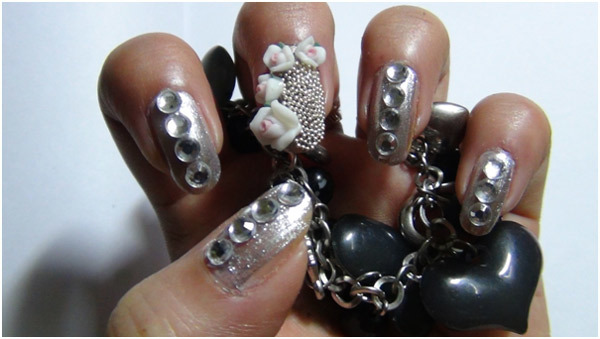 Silver Nail Art - Apply Transparent Top Coat