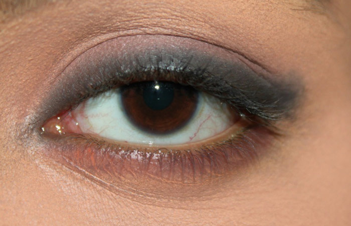 Kareena Kapoor Inspired Eye Makeup - 2 Step By Step ...