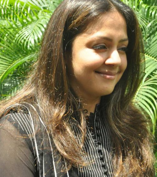 10 Pictures Of Jyothika Without Makeup