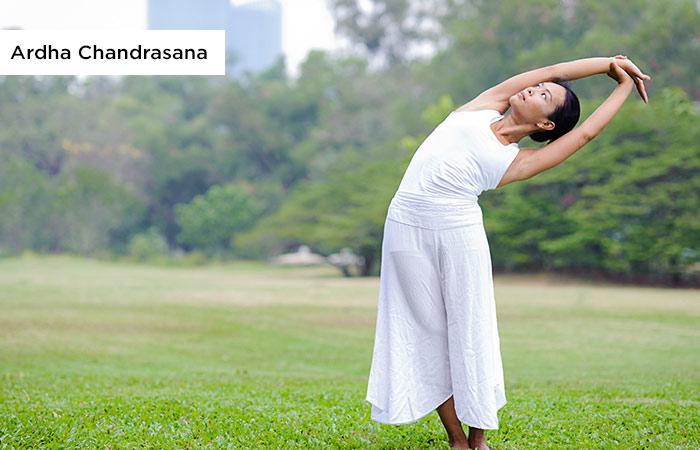 2.-Ardha-Chandrasana