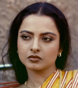 10 Pictures Of Rekha Without Makeup