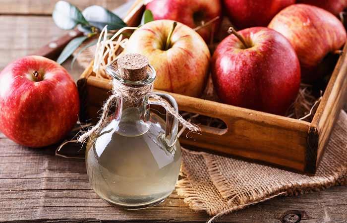 3. Listerine And Vinegar For Dandruff