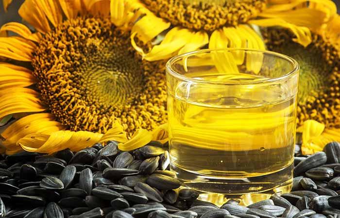 4.-Honey-And-Vegetable-Oil-Hair-Mask