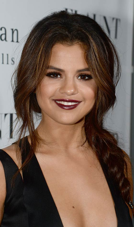 selena gomez medium length hairstyles wwwpixsharkcom