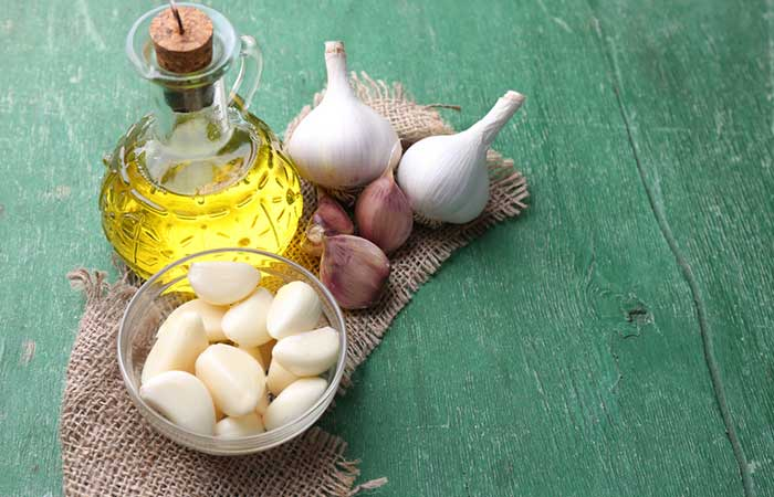 Garlic-And-Olive-Oil-For-Hair-Growth