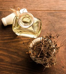 How To Use Bhringraj Oil For Hair Growth