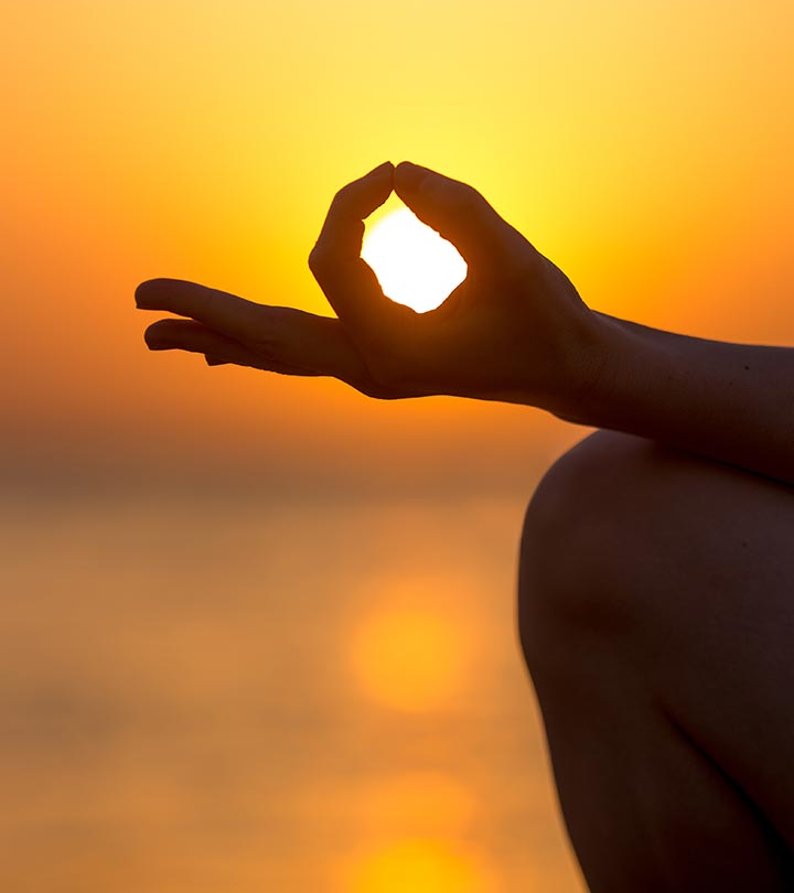 Jnana Yoga – How To Do And What Are Its Benefits?
