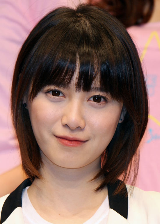 medium hair korean style korean hairstyles for with bangs www 4254