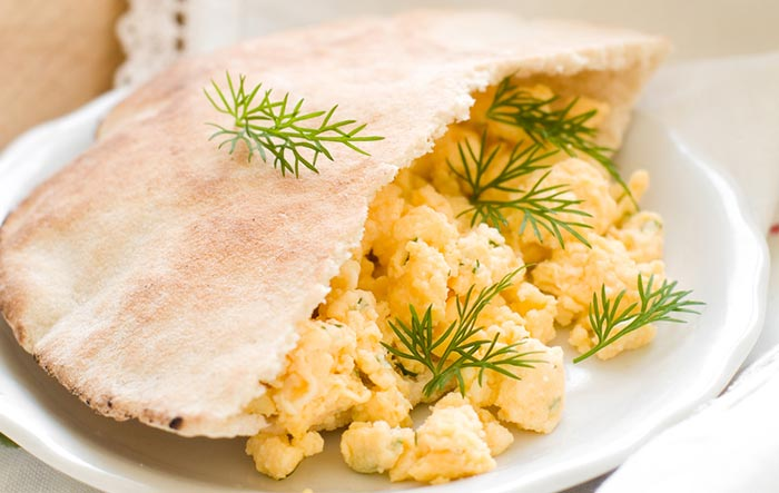 Recipe- Oats Pita Bread Wrap With Eggs And Veggies