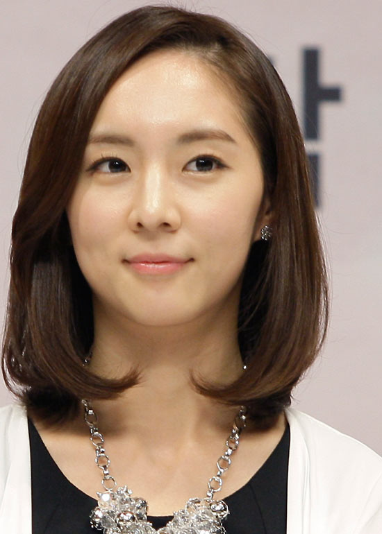 Outstanding 50 Korean Hairstyles That You Can Try Right Now Short Hairstyles Gunalazisus