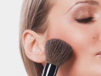 Top-10-Cheek-Makeup-Tips-And-Tricks