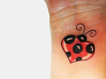 Top-10-Ladybug-Tattoo-Designs