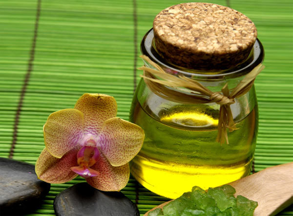 benefits of sandalwood oil for skin