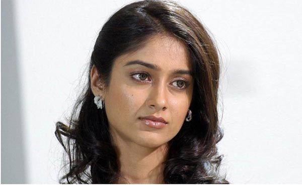 ileana non made up eyes