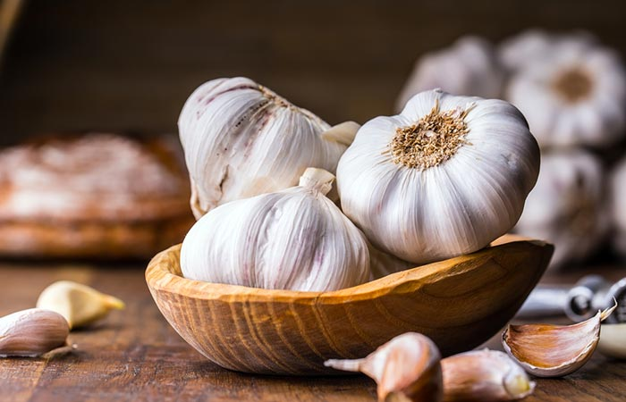 Foods For Healthy Liver - Garlic