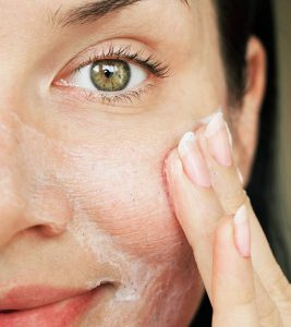 10 Natural Remedies To Get Rid Of Acne On Dry Skin