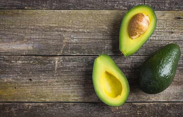 2. Avocado Hair Spa Treatment