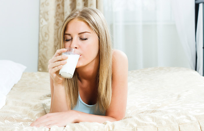 Fat Burning Foods Before Bed - Milk