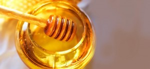 4 Simple Ways In Which Honey Can Solve Dry Skin Problems