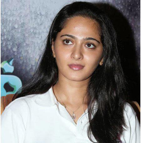 8.-Anushka-Shetty-In-A-White-Collared-T-shirt