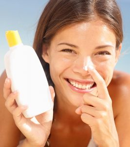 Best Sunscreen Lotions For Oily Skin – Our Top 11 Picks