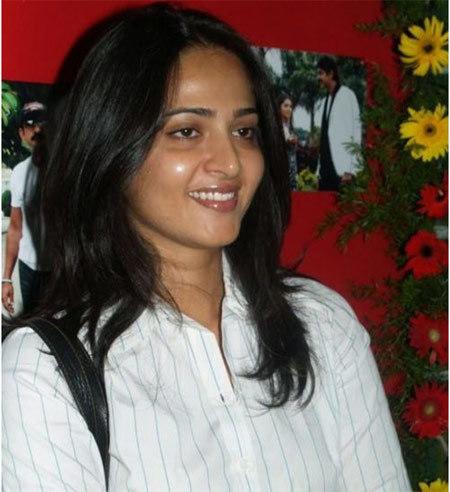 Anushka Shetty look