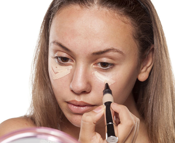 Common Makeup Mistakes And Beauty Blunders - 5. Incorrect Application Of Concealer