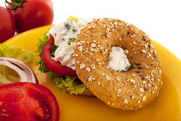 Low Calorie Breakfast - bagel and cream cheese with tomato