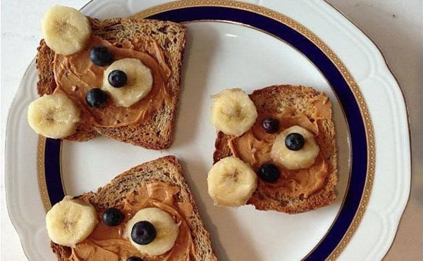 breakfast bears with peanut butter and berries