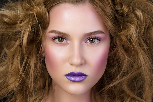 Common Makeup Mistakes And Beauty Blunders - 15. Clown Cheeks