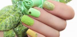 Green Nail Art