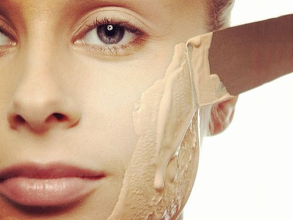 Common Makeup Mistakes And Beauty Blunders - 6. Applying Too Much Foundation
