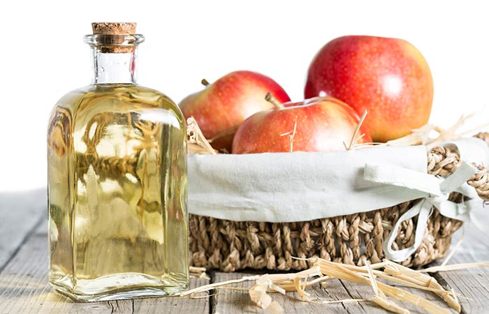 1.-Apple-Cider-Vinegar-For-Dark-Underarms