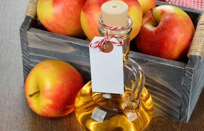 1.-Apple-Cider-Vinegar-For-Hair-Fungus