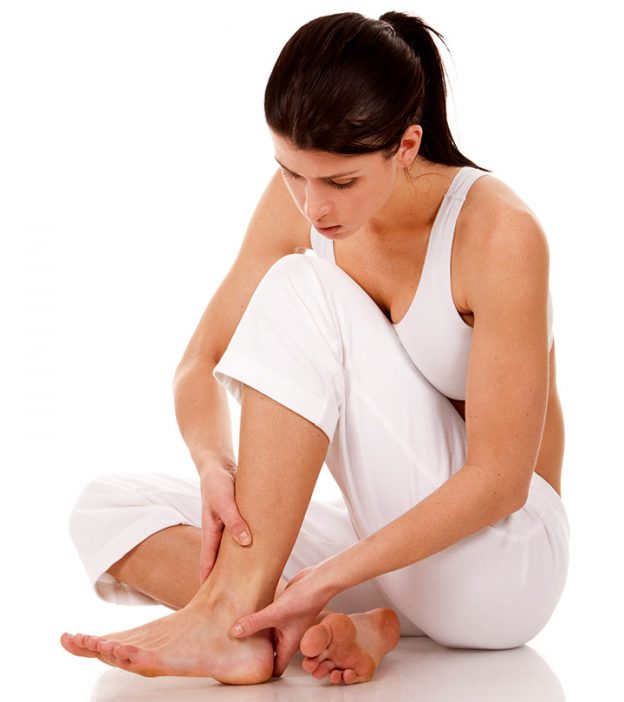 10 Home Remedies For Sore Foot Pain + Causes And Prevention Tips
