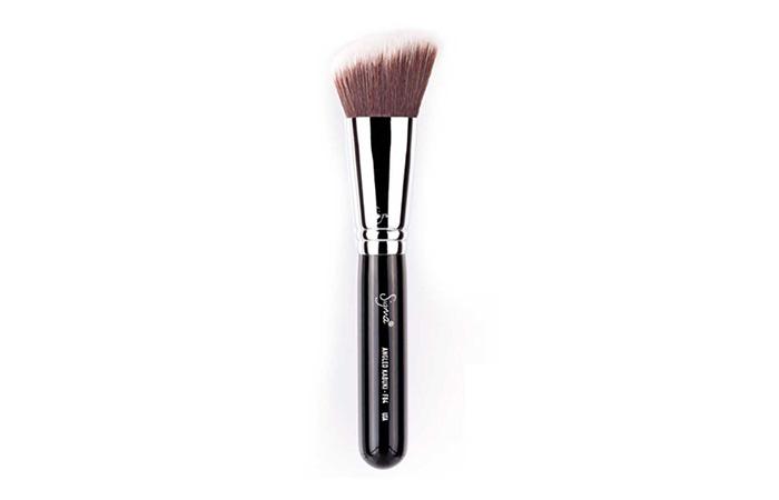 Best Makeup Brushes - Sigma F84 Angled Kabuki Brush