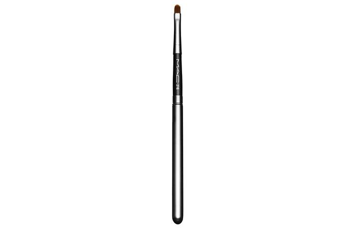 16. A.C 316 Lip Brush