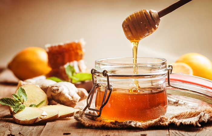 Home Remedies To Treat Food Poisoning - Ginger With Honey