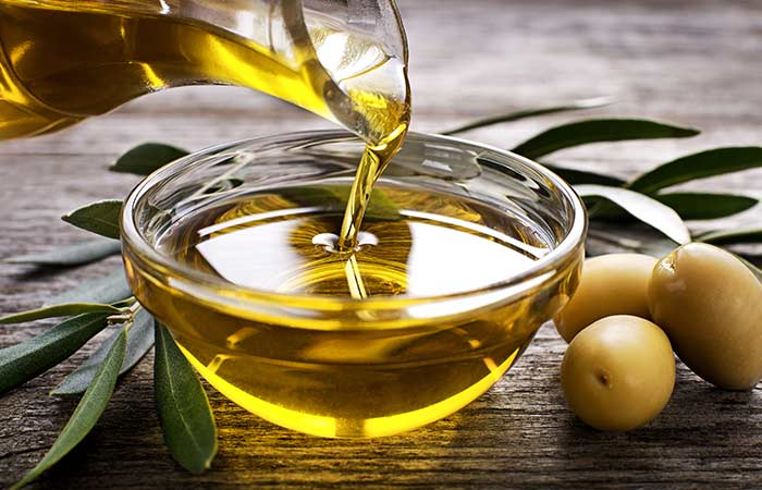 3.-Olive-Oil-For-Dark-Underarms