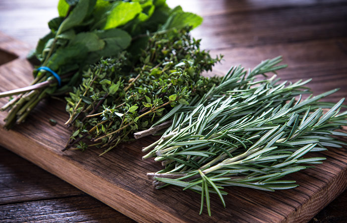 Foods To Eat To Treat Hyperthyroidism - Herbs
