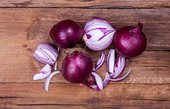 6. Onion Syrup For Laryngitis