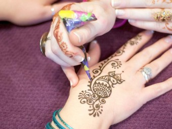 6354_8-Interesting-Bisha-Mistry's-Mehndi-Designs