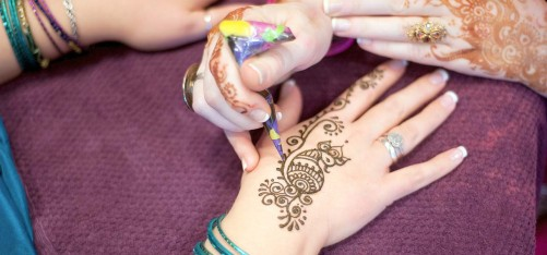 6354_8-Interesting-Bisha-Mistry's-Mehndi-Designs