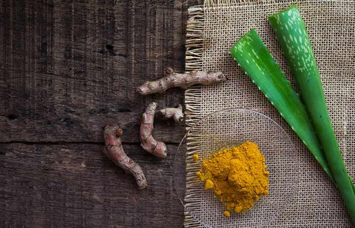 Aloe Vera And Turmeric Pack For Sensitive Skin