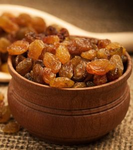 8 Benefits Of Eating Raisins During Pregnancy
