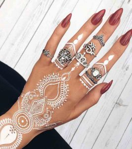 Top 10 Beautiful White Henna Designs For You To Try In 2018