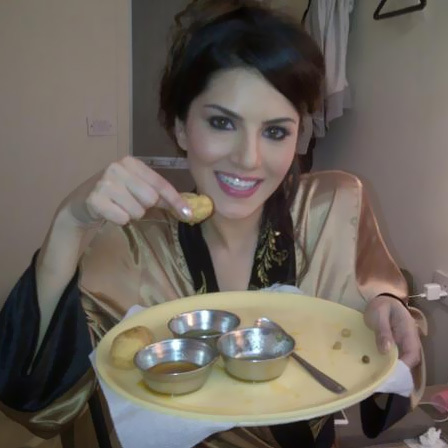 Food Lover Sunny Leone Without Makeup