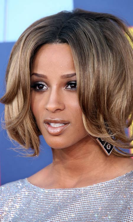 Inverted-Layered-Bob-with-Curly-Bangs-and-Ends