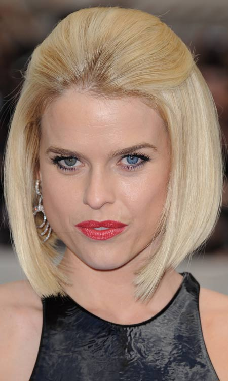 Reverse-Layered-Bob-with-Slicked-Back-Top